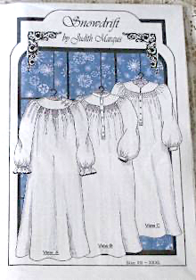 JUDITH MARQUIS SNOWDRIFT LADIES SMOCKED NIGHT GOWN